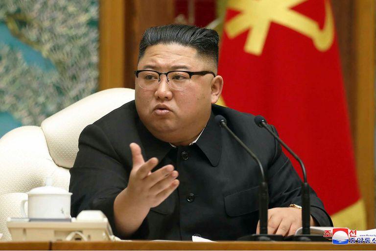 ¿Vacunados?: Kim y la élite norcoreana habrían recibido la vacuna china
