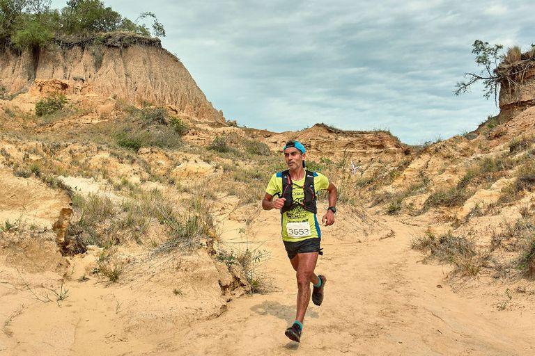 Daniel Simbrón, el cordobés que fue doble campeón argentino de maratón resultó el ganador
