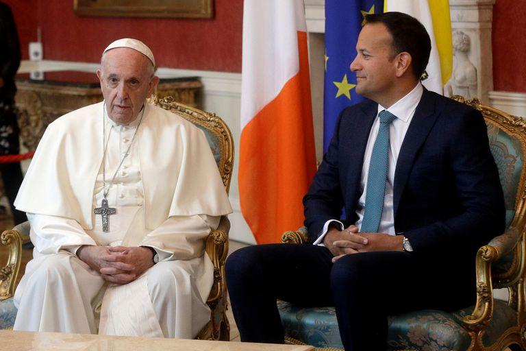 El Papa Francisco junto al primer ministro Leo Varadkar
