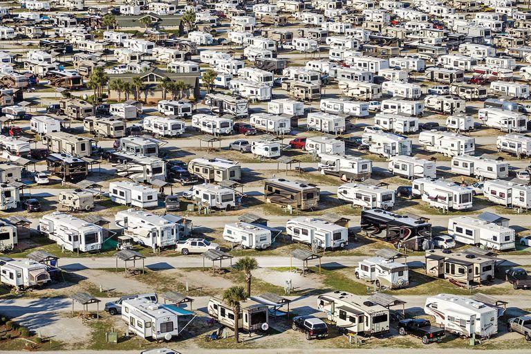 """Los estacionamientos de trailers y casas rodantes como """"el último espacio libre de Norteamérica"""""""