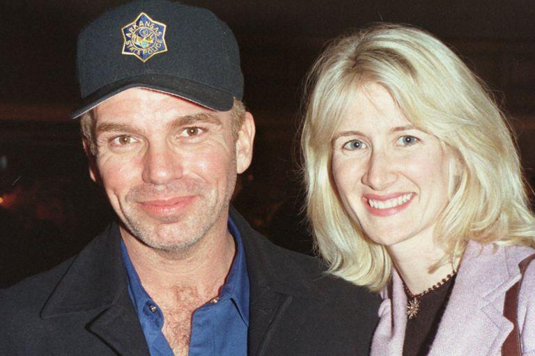 Dern tuvo una relación con Billy Bob Thornton, quien la dejó para casarse con Angelina Jolie