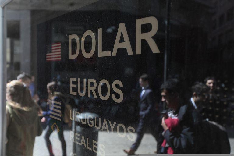 Dólar blue hoy: a cuánto cotiza el jueves 20 de agosto
