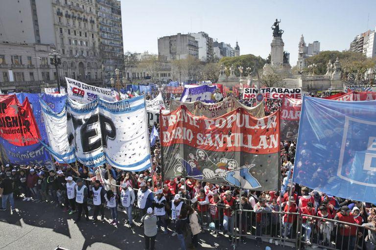 El pedido de Alberto Fernández acentuó la división entre movimientos sociales