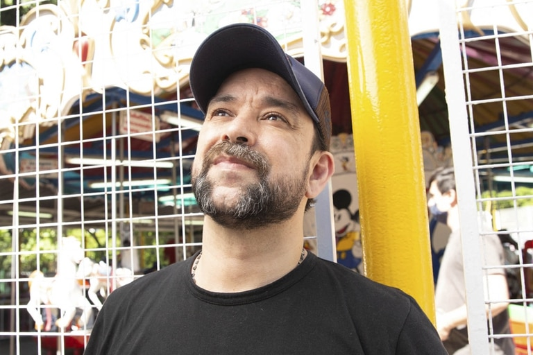 En 2008, su novela Chamamé ganó el prestigioso Premio Hammett al mejor policial en la XXI Semana Negra de Gijón, de España, y lo convenció de que la literatura podía ser un medio de vida.
