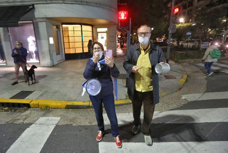Ciudad: fuerte cacerolazo y protestas en el Obelisco en contra de la cuarentena