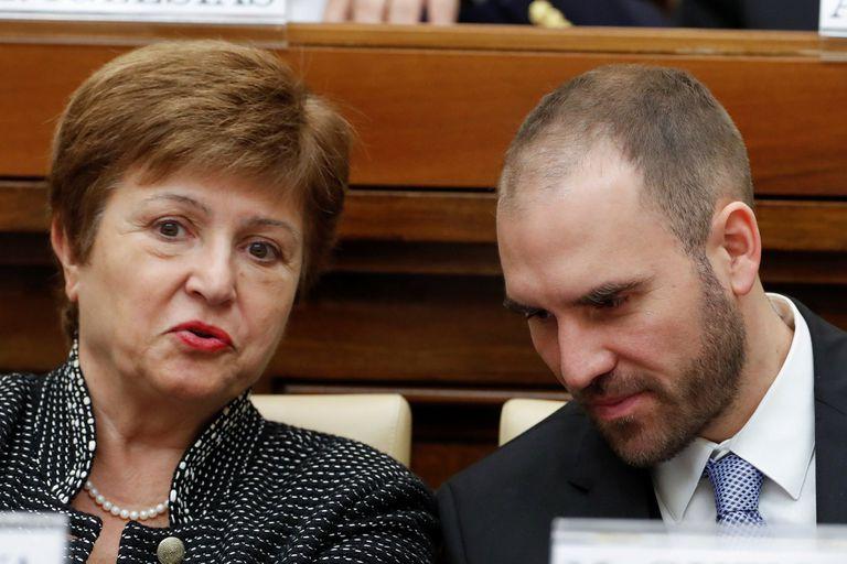 La directora del FMI, Kristalina Georgieva, junto al ministro de Economía, Martín Guzmán