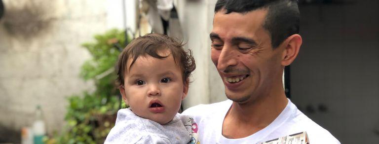 Volver a sonreir: dejó las drogas y la cárcel y da talleres de oficios a chicos