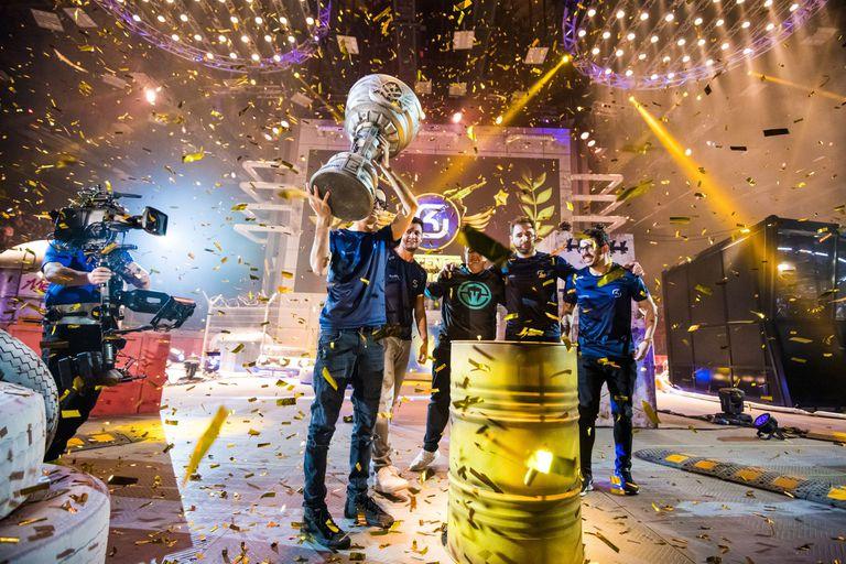La presión por alcanzar victorias rápidamente para ganar dinero en pocos años es una presión constante para los jugadores profesionales de eSports