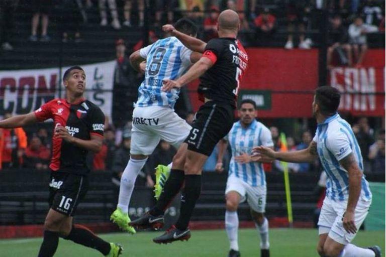 La pelea por la pelota en Santa Fe, entre Colón y Atlético Tucumán