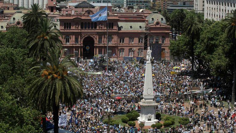 La Plaza de Mayo vivió una fiesta de la democracia