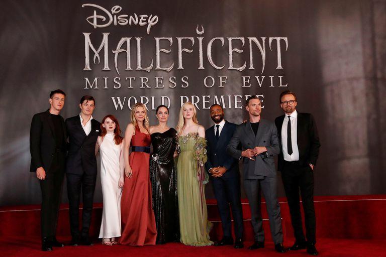 El elenco completo de Maléfica 2, anoche en la presentación mundial de la película
