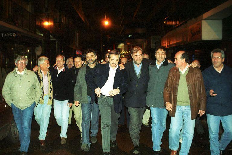Alberto Fernández militó desde muy joven en las filas del PJ porteño, donde conoció a muchos de sus amigos más cercanos