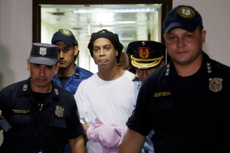Ronaldinho participaría de un torneo de futsal en la cárcel en Paraguay