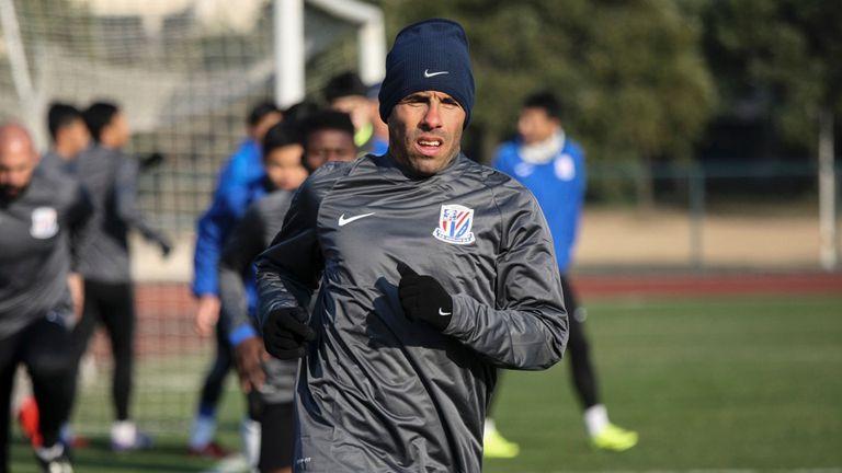 Tevez volvió a Shanghai