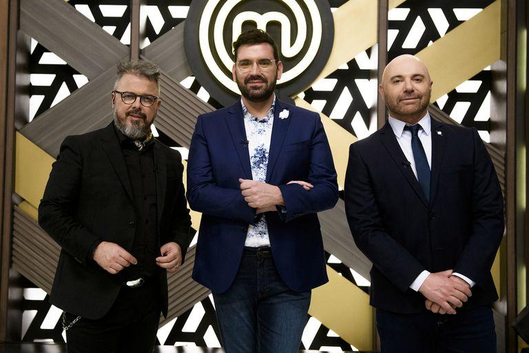 De Santis junto a Damián Betular y Germán Martitegui, jurados de MasterChef Celebrity