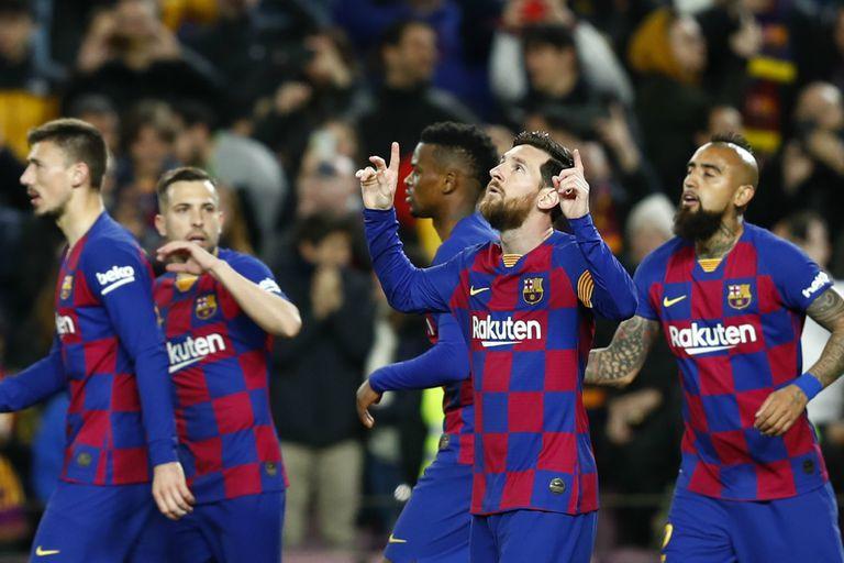 España: Barcelona ganó con gol de Messi y un polémico penal de VAR, y es puntero