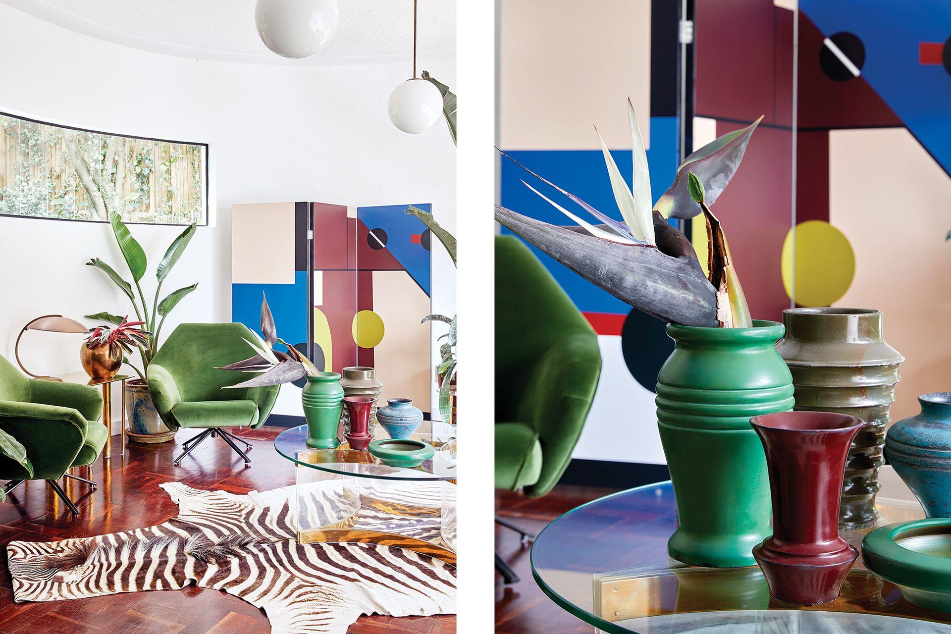Renée Russouw pintó el biombo tomando como inspiración la colección de jarrones de piedra sobre la mesa transparente.