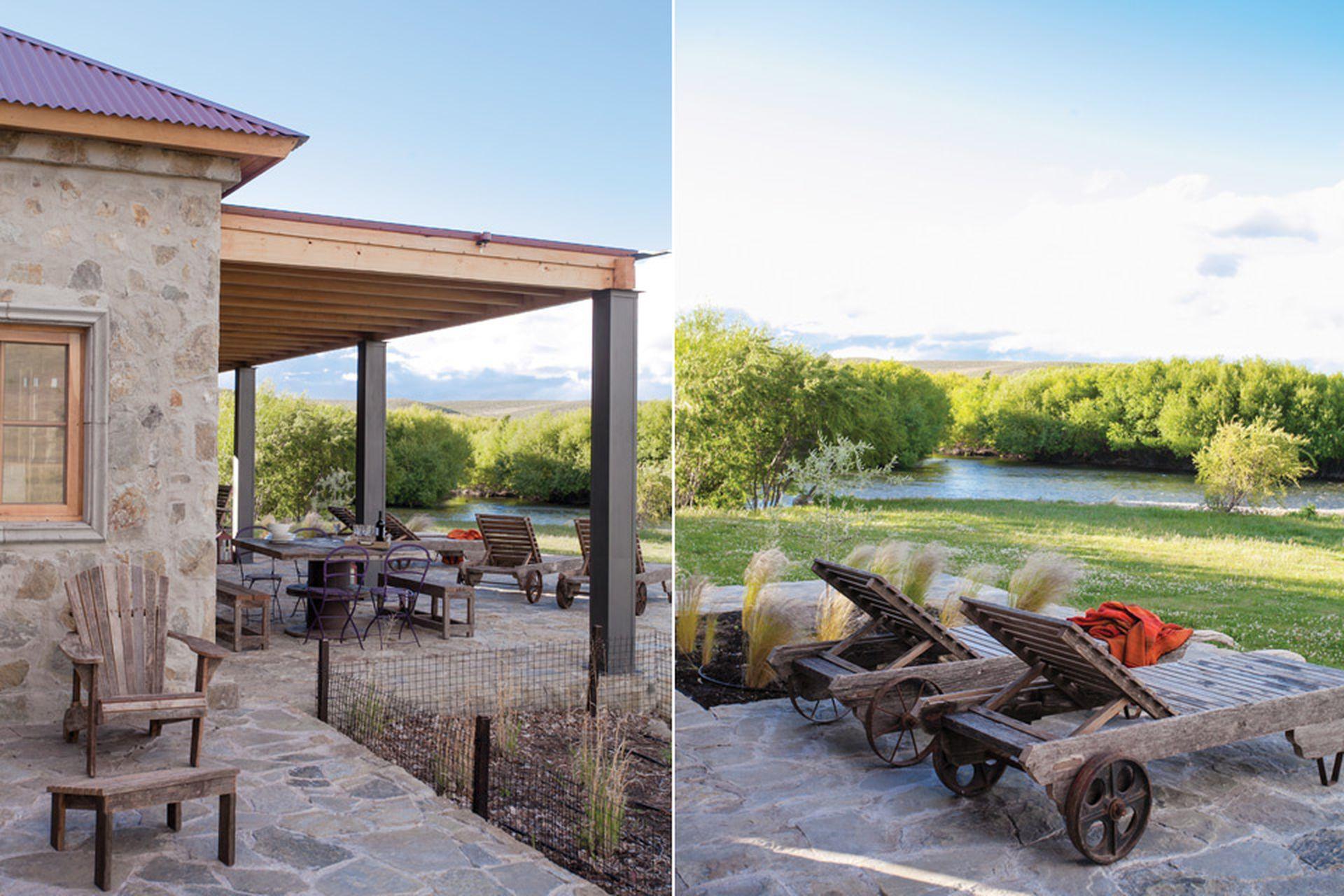 La terraza principal da hacia el río. Por eso, allí se colocaron las reposeras de madera de lapacho.