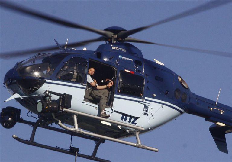 Piden informes a la ANAC por el helicóptero de Berni que aterrizó en una cancha de fútbol infantil