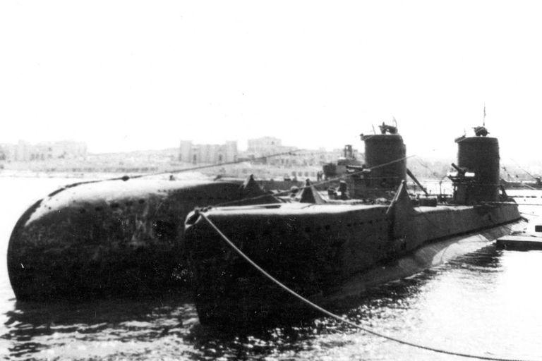 El submarino Urge atracado en Malta, en una imagen correspondiente a la Segunda Guerra Mundial