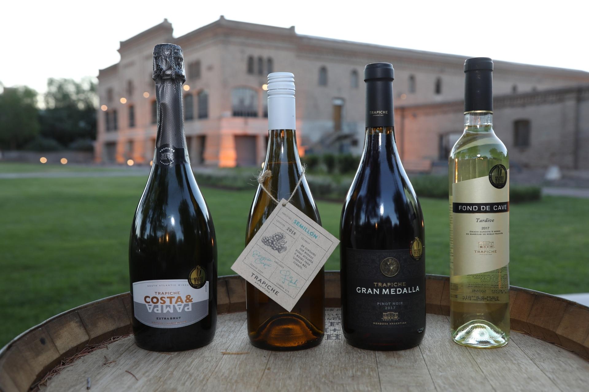 La cena fue maridada con vinos de las bodegas Trapiche y Costa & Pampa, la primera bodega argentina con vinos de influencia oceánica ubicada en Chapadmalal