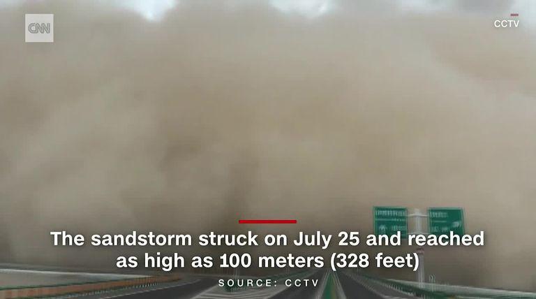 Una tormenta de arena tapó una ciudad cercana al desierto de Gobi en China