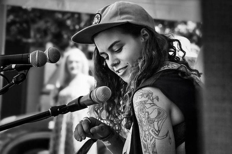 Tash Sultana es una de las nuevas artistas del Lollapaloza 2018 Argentina
