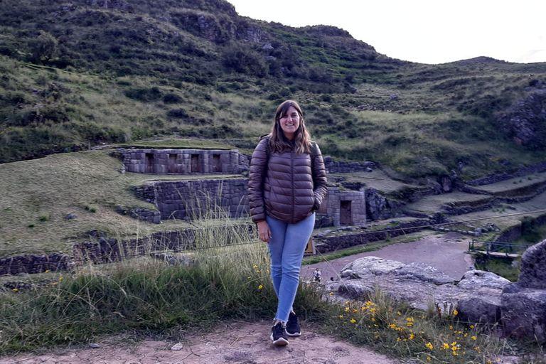 La única foto de Agustina en Cusco, porque a los tres días de llegar comenzó la cuarentena