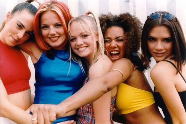 La palabra tiene referencias a la canción Wannabe de la banda pop británica Spice Girls, ícono de la década de 1990