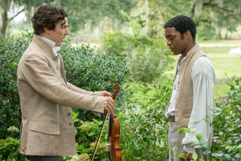 Beneditch Cumberbatch y Chiwetel Ejiofor en 12 años de esclavitud, la gran favorita