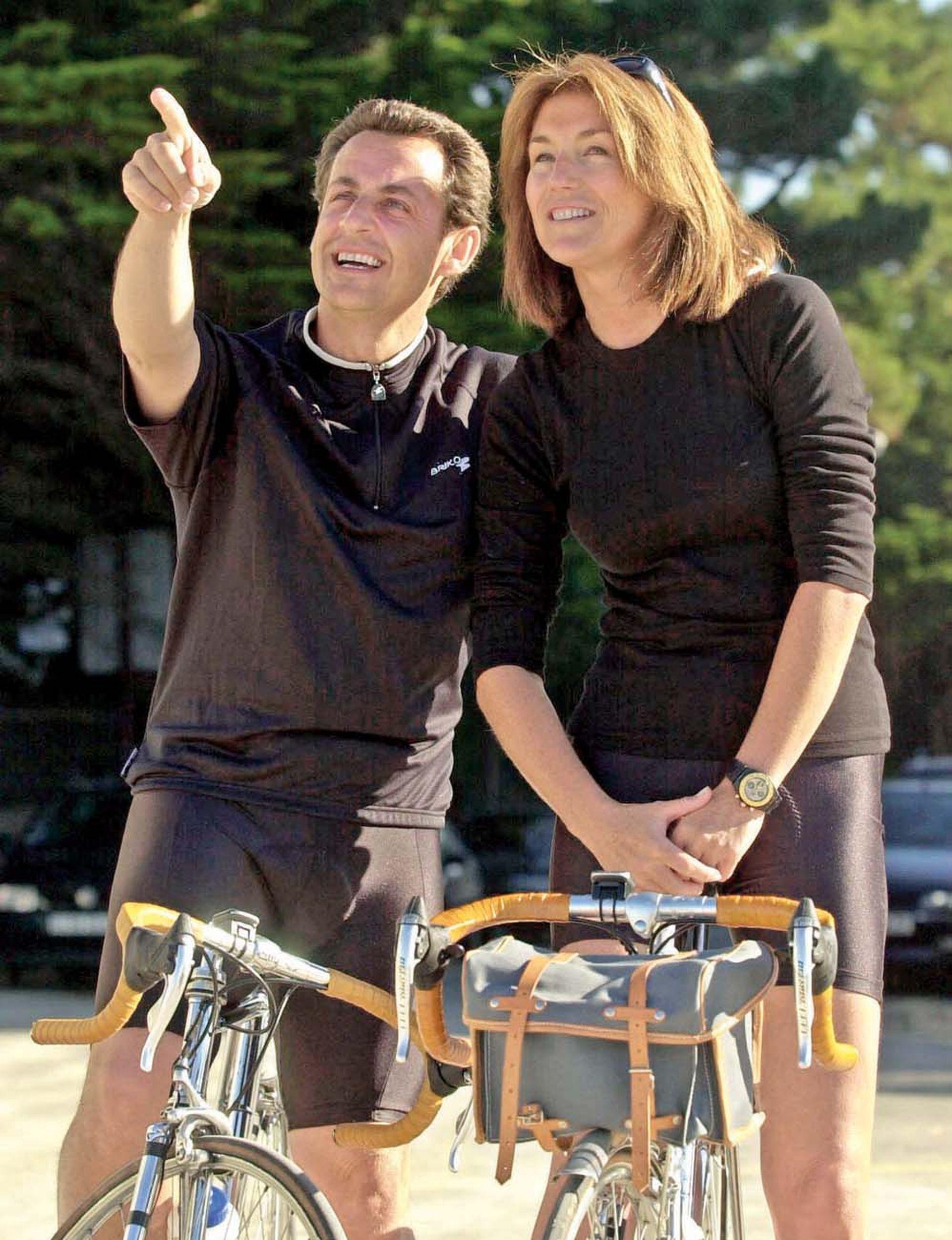 Era octubre de 2007 cuando el recién nombrado Presidente de Francia, Nicolas Sarkozy, y su mujer, Cécilia, anunciaban su separación tras once años de matrimonio.
