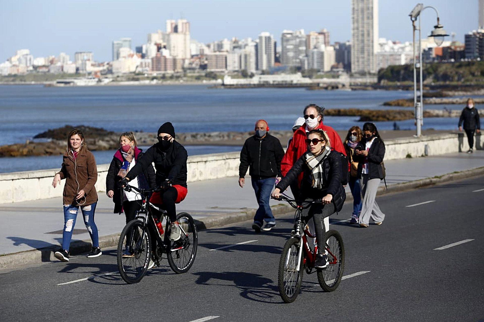 Se peatonaliza el paseo costero de Mar del Plata para los vecinos