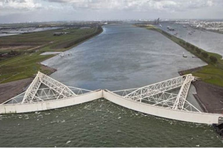 La Maeslantkering es una barrera contra las inundaciones costeras en Rotterdam