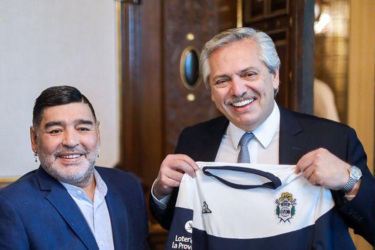 Alberto Fernández: qué dijo de Maradona, Messi, Riquelme y los hinchas de Boca