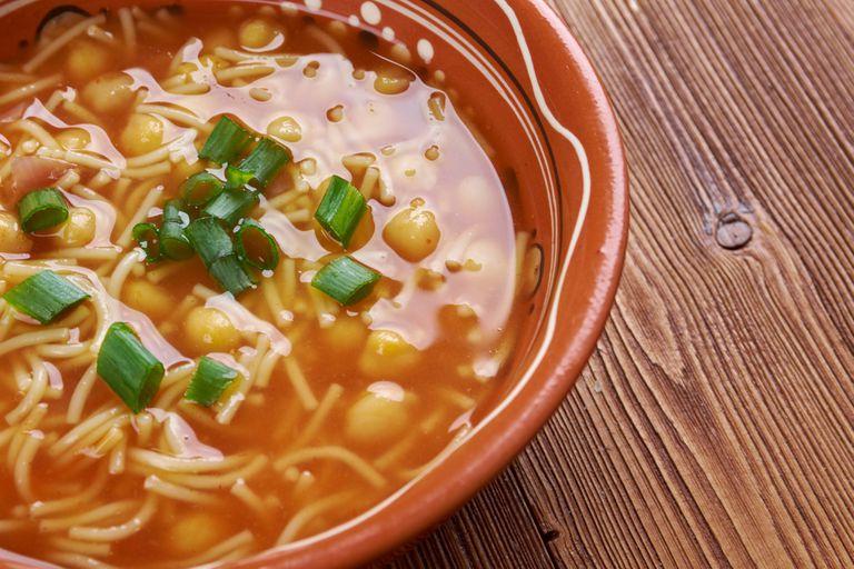 Minestra di ceci,: la auténtica sopa de garbanzos italiana.