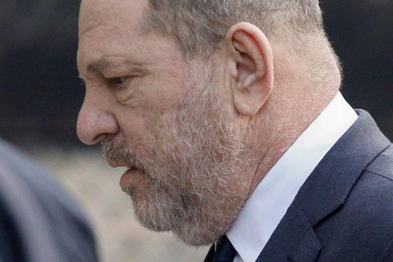 Weinstein fue trasladado a Los Ángeles para enfrentar nuevos juicios por violación