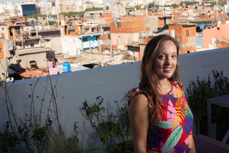 FIBA: la cuarentena inesperada de la francesa Séverine Fontaine en el Barrio 31