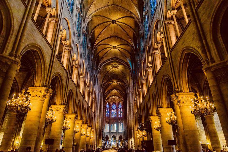 La Catedral de Notre Dame fue de los templos góticos más antiguos de todo el mundo, construido entre los años 1163 y 1245