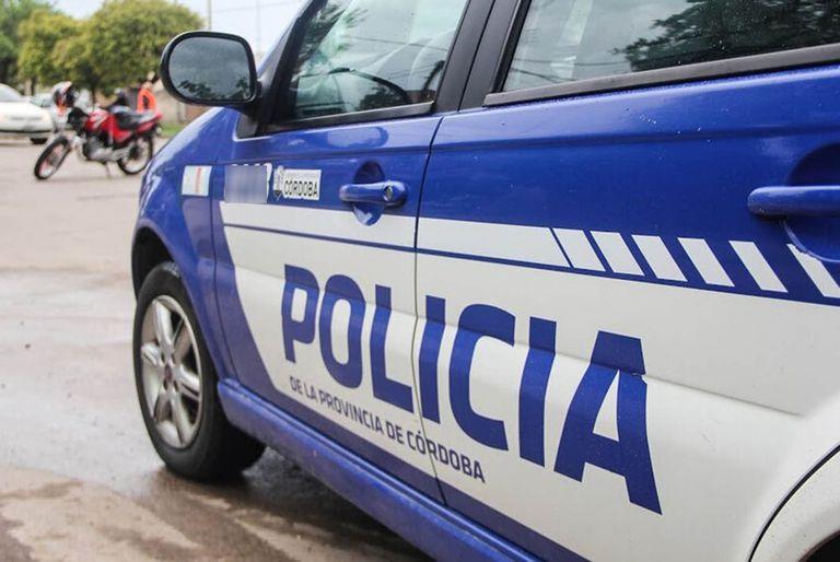 La Policía de Córdoba busca a un hombre que mató a su padre y que abuso se su hijo