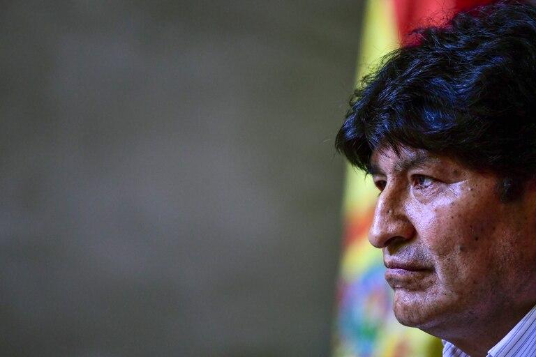 El expresidente de Bolivia Evo Morales apuntó contra Mauricio Macri por el supuesto envío de armamento