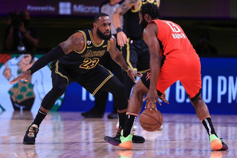 Lakers y Rockets juegan por el tercer punto de una de las semifinales de la Conferencia Oeste de la NBA