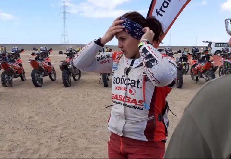 La motociclista española Laila Sanz, presente en el Dakar
