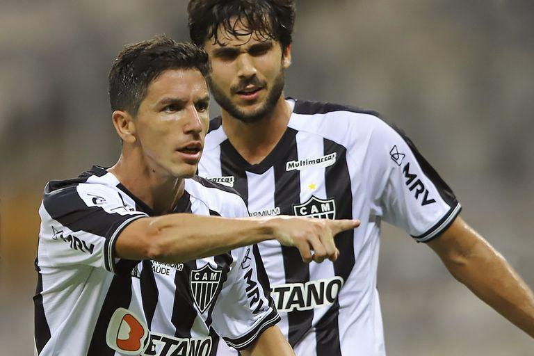 A lo grande. El debut de Nacho Fernández en Brasil: gol, figura y... bautismo