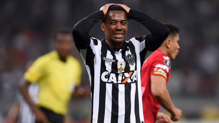 Una difícil situación para el brasileño Robinho