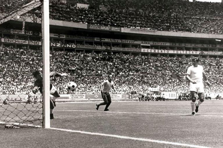 Inolvidable: la Atajada del Siglo, de Gordon Banks a Pelé, cumple 50 años