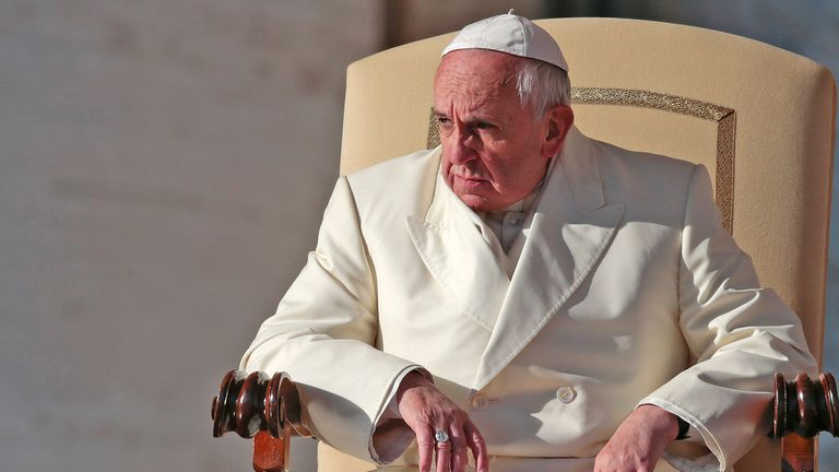 El Papa convocó a dedicar mañana a las 13 un minuto por la paz en el mundo