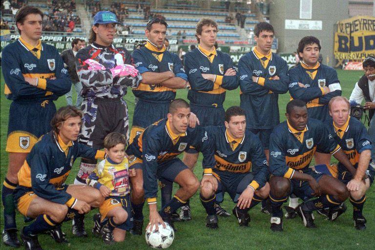 En Boca 1996, con Carrizo, Navarro Montoya, Gamboa, Fabbri, Basualdo y Maradona; Caniggia, Verón, Tchami y MacAllister, con Bilardo como DT
