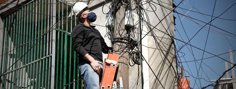 El chico del wifi. Logró que 200 familias de la villa 21-24 tengan Internet