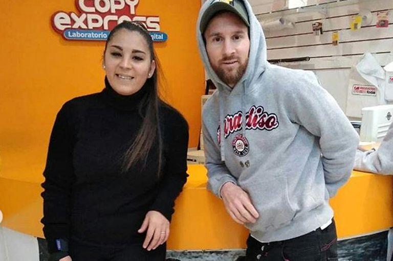 Lionel Messi sorprendió a todo en el Mall de Fúnes