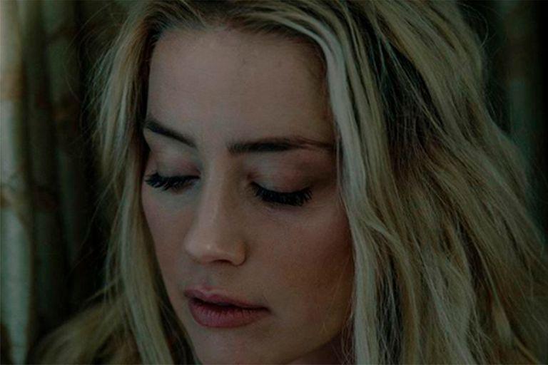 """El triste momento de Amber Heard: """"Estoy devastada más allá de lo creíble"""""""